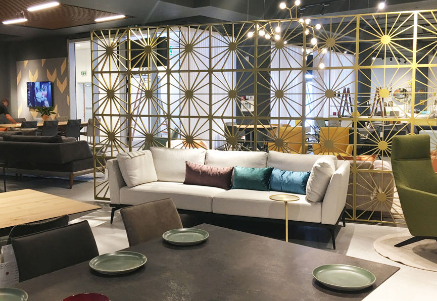 חנות רהיטים מעוצבת